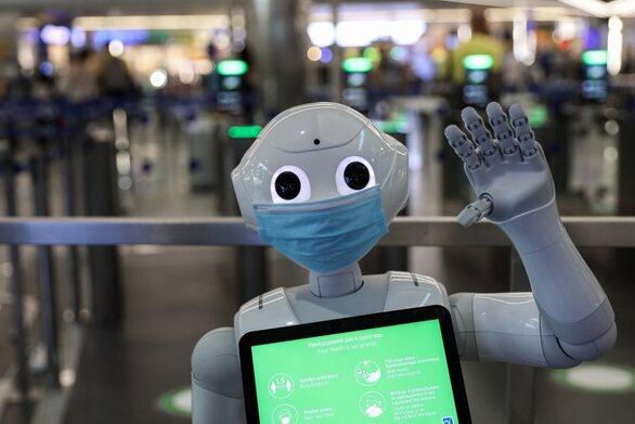 Pepper: Το πρώτο ρομπότ το οποίο… μιλάει στον εαυτό του φωναχτά!