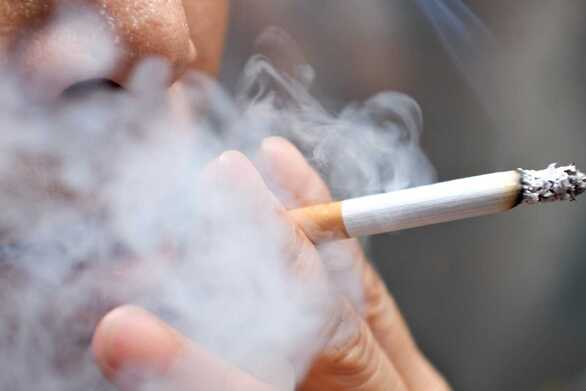 1 στους 2 μη καπνιστές θεωρούν τους καπνιστές λιγότερο ελκυστικούς και επιθυμητούς