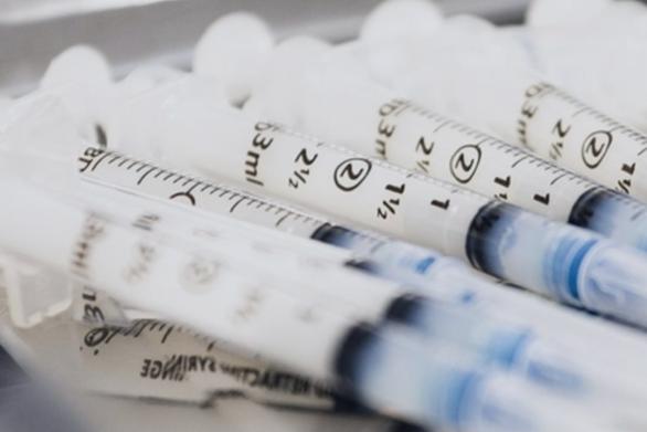 Εμβόλια: Πόσους μήνες διαρκεί η ανοσία μετά και τη δεύτερη δόση
