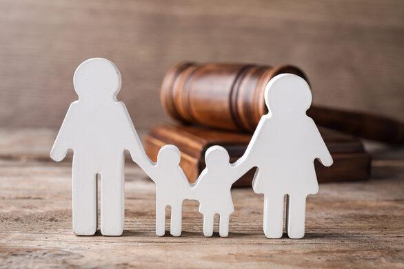 Νομοσχέδιο για το οικογενειακό δίκαιο: Τι αλλάζει στη συνεπιμέλεια των παιδιών