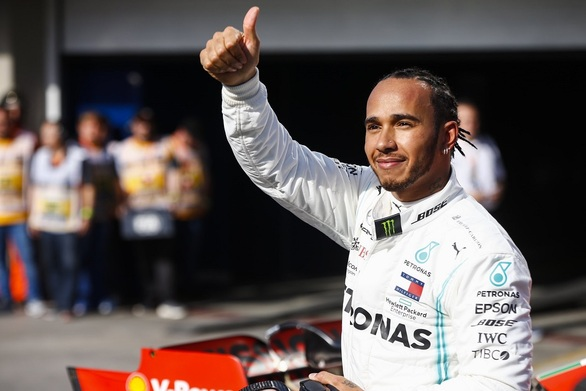 Formula 1: H Mercedes θέλει να κρατήσει τον Λιούις Χάμιλτον