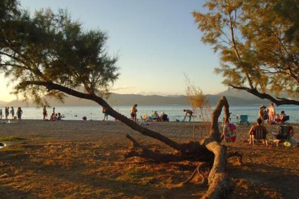 Πάτρα: Ολικό λίφτινγκ, εν όψει καλοκαιριού, στην οργανωμένη παραλία της Πλαζ