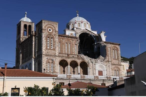 Σάμος: Άρχισαν οι εργασίες αποκατάστασης στην εκκλησία στο Καρλόβασι