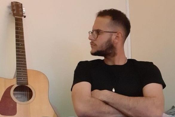 """""""Αν δεν είσαι εδώ"""" - Νέο τραγούδι από τον πατρινό Λεωνίδα Βασιλακόπουλο (βίντεο)"""