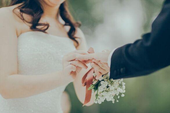 Lockdown: Αντιδράσεις με τα 100 άτομα σε γάμους και δεξιώσεις
