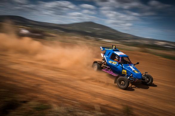 """Πανελλήνιο Πρωτάθλημα CROSS CAR 2021 - Κατεβάζει την σημαία εκκίνησης από την Πάτρα και την πίστα """"Dirt Park"""""""