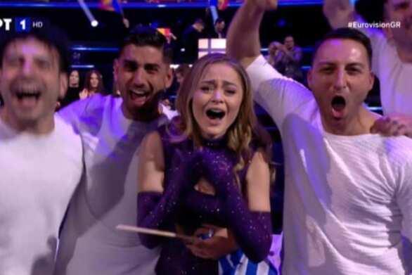 Eurovision 2021: Η Stefania πέρασε στον Τελικό! (video)