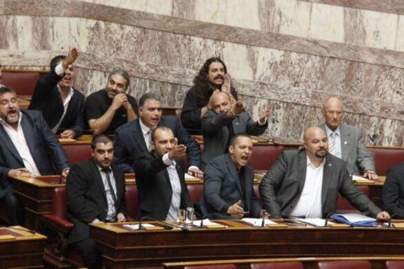Χρυσή Αυγή: Έρχεται στέρηση πολιτικών δικαιωμάτων για τους καταδικασθέντες βουλευτές της