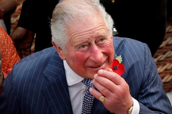 Πρίγκιπας Κάρολος: Όσοι αναρρώνουν από Covid πρέπει να κάνουν γιόγκα