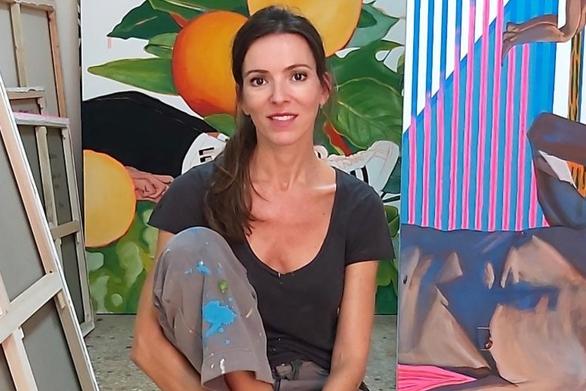 """Στέλλα Καπεζάνου: """"Ζωγραφίζω όσο θυμάμαι τον εαυτό μου"""" (video)"""