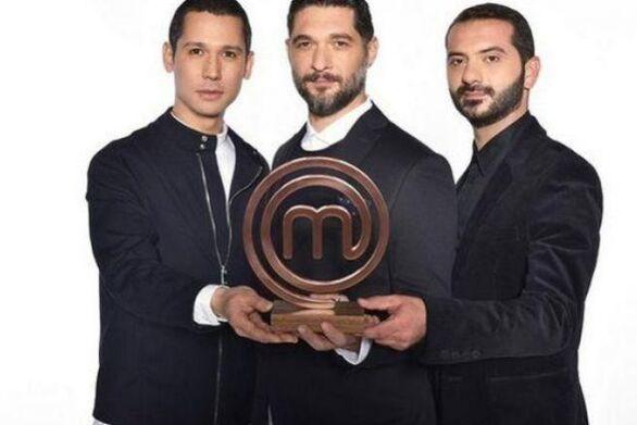 MasterChef: «Χρυσάφι» στα πόδια των κριτών από τον Ατζούν Ιλίτζαλι