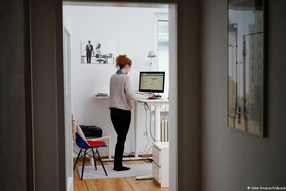 Τηλεργασία: Το τρεντ του home office έχει και τις σκοτεινές πλευρές του