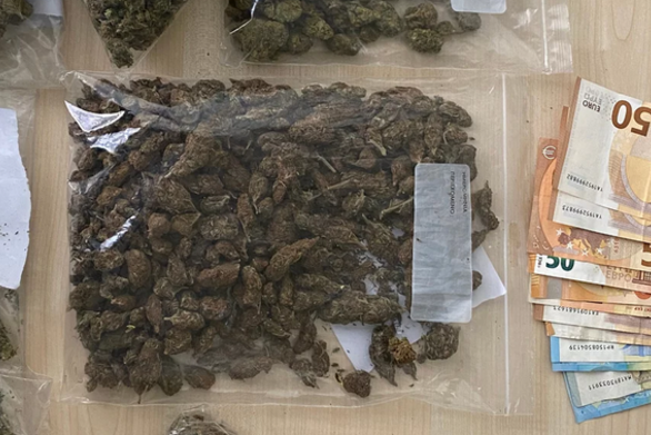 Πειραιάς: Εξαρθρώθηκε σπείρα που διακινούσε κοκαΐνη και κάνναβη
