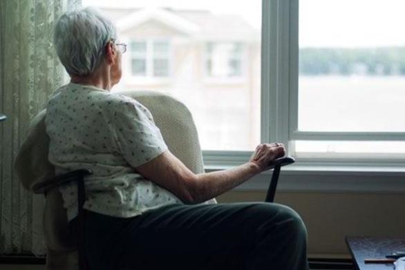 Πάτρα: Προσποιήθηκε το λογιστή αρπάζοντας από ηλικιωμένη 1.500 ευρώ