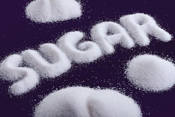 Ζάχαρη: Τρώμε τέσσερις φορές περισσότερη από το κανονικό