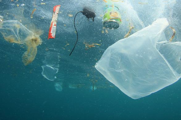 Πλαστικό στους ωκεανούς - Tα γεγονότα, οι συνέπειες και οι νέοι κανόνες της ΕΕ