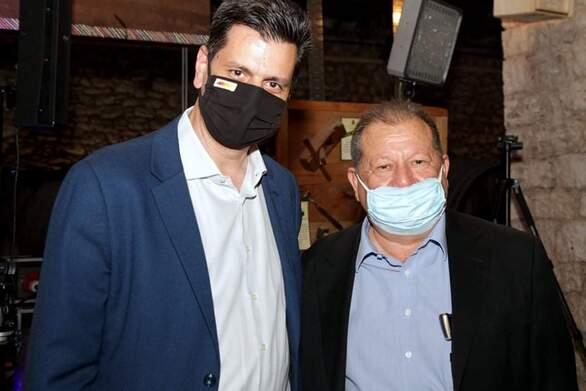 Συνάντηση Πέτρου Ψωμά με τον Δήμαρχο Αιγίου