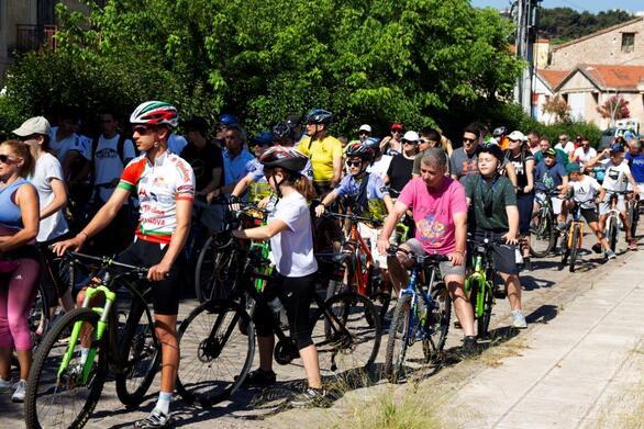 Δεκάδες ποδήλατα «πλημμύρισαν» την Αιγιάλεια για τα 125 χρόνια του οδοντωτού! (φωτο)