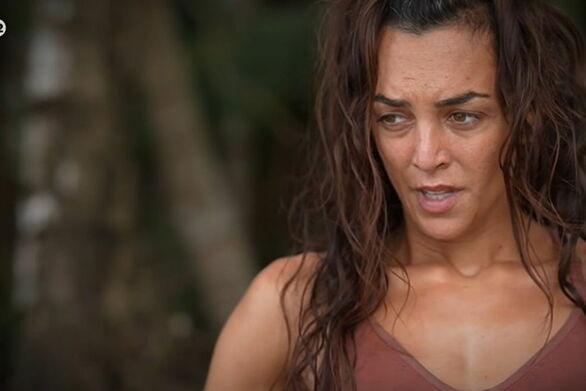Survivor: Αποχώρησε με κλάματα η Καρολίνα Καλύβα (video)
