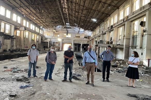 Πάτρα: Ο Αντιπεριφερειάρχης Χ. Μπονάνος, ο Αντιδήμαρχος Χ. Κορδάς και τα μέλη της Επιτροπής του Αρχιτεκτονικού Διαγωνισμού επισκέφθηκαν τον «Λαδόπουλο»