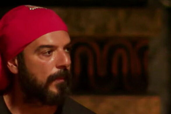 Ο Τριαντάφυλλος δείχνει τους κοιλιακούς που απέκτησε στο Survivor