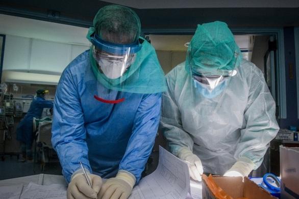 Σύνδρομο Long Covid: Συμπτώματα που επιμένουν για μήνες μετά τη μόλυνση