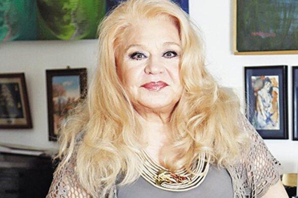 Τιτίκα Στασινοπούλου: «Μου έπεσαν τα μαλλιά από τις χημειοθεραπείες αλλά δεν φοβήθηκα»