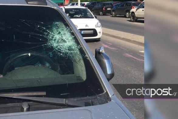 Πέτρες και μπογιές κατά αστυνομικών που επιχείρησαν να αποτρέψουν κορωνοπάρτι στο Ηράκλειο