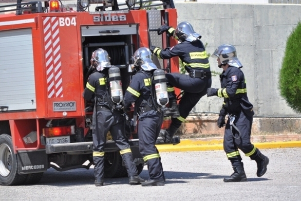 Φωτιές στην Πάτρα - Συναγερμός στην πυροσβεστική