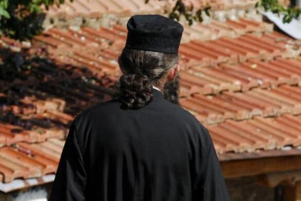 Αγρίνιο: Συνελήφθη ιερέας για πορνογραφία ανηλίκων