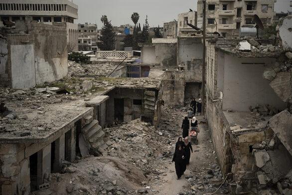 Συρία: Ο ΠΟΥ προειδοποιεί για «νέα ανθρωπιστική καταστροφή»
