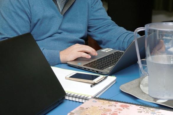 Ακριβότερες οι αγορές προϊόντων με e-shopping