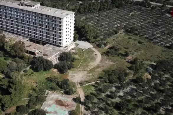 Σαλάντι: Το πρώτο ξενοδοχείο για γυμνιστές στην Ελλάδα (video)