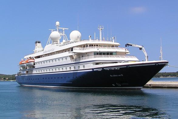 Τα δύο κρουαζιερόπλοια που ρίχνουν φέτος «άγκυρα» στο λιμάνι της Πάτρας