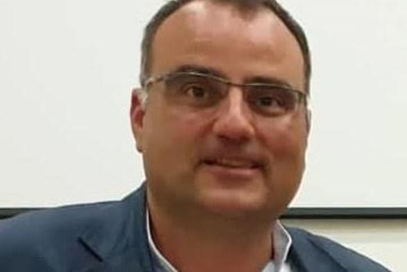 """Ηλίας Κωνσταντάτος: """"Πρόωρες εκπτώσεις, ποιον εξυπητερούν;"""""""