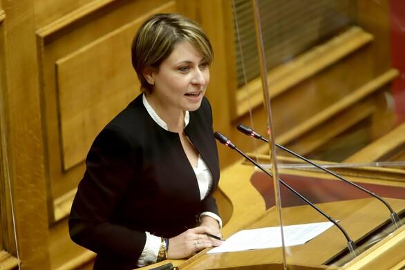 """Χριστίνα Αλεξοπούλου: """"Εμβολιαζόμαστε και συνεχίζουμε"""""""