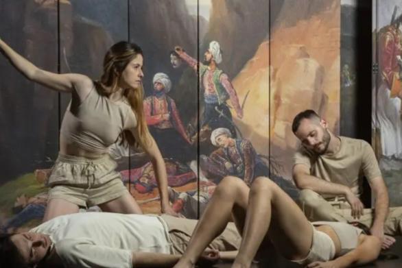 Πέτρα Μαυρίδη - Η Πατρινή ηθοποιός σε μία ταμπλό βιβάν - παράσταση για τα 200 χρόνια!