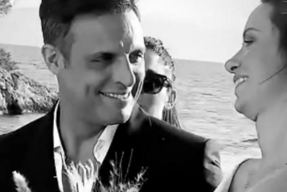 Σάββας Πούμπουρας - Αρετή Θεοχαρίδη: Παντρεύτηκαν στις Σπέτσες