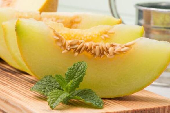 Το καλοκαιρινό φρούτο που ρυθμίζει την πίεση