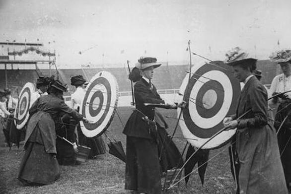 Σαν σήμερα 13 Ιουλίου γυναίκες αθλήτριες αγωνίζονται για πρώτη φορά στους σύγχρονους Ολυμπιακούς Αγώνες