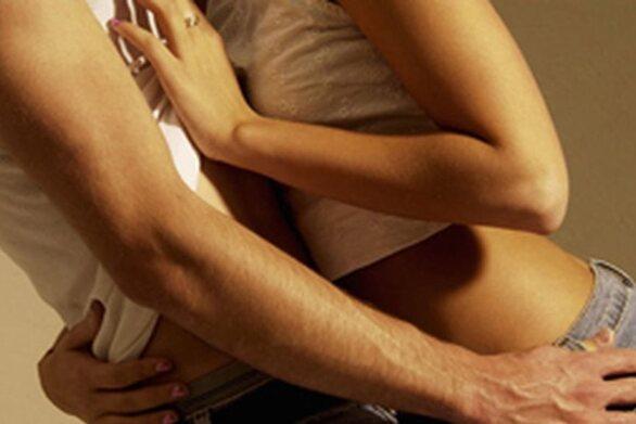 Πάτρα: Ζευγάρι έκανε σεξ στο προαύλιο του σχολείου στη Δροσιά