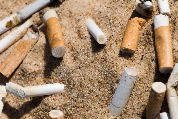 Αποτσίγαρα - Ένα μεγάλο πρόβλημα τοξικής ρύπανσης του περιβάλλοντος (video)