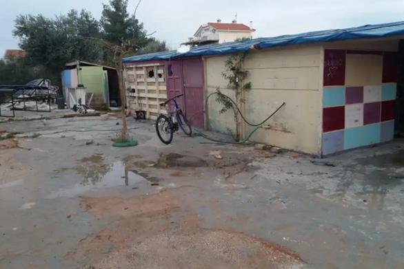 Δήμος Πατρέων: H εγκατάσταση Ρομά σε υπαίθρια παραπήγματα είναι σοβαρό πρόβλημα