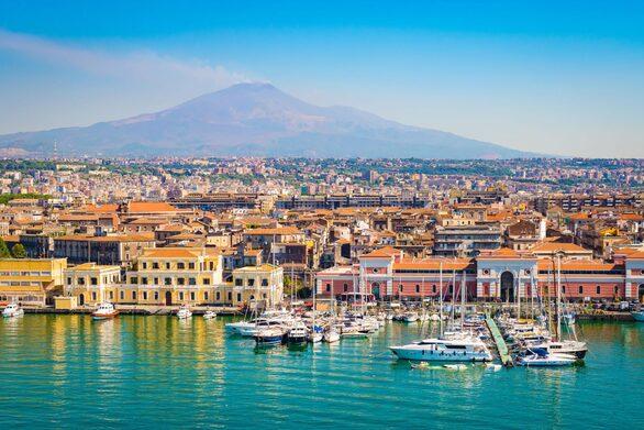 Σικελία: Χωριό ετοιμάζεται να δημοπρατήσει 20 σπίτια