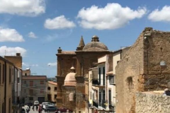 Σπίτια από 2 ευρώ σε χωριό της Σικελίας
