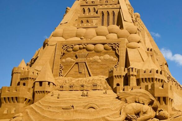 Αυτό είναι το νέο μεγαλύτερο κάστρο από άμμο