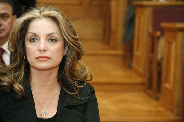 """Άντζελα Γκερέκου: """"H οικογένεια επέλεξε να καλύψει η ίδια όλα τα έξοδα της κηδείας του Τόλη Βοσκόπουλου"""""""