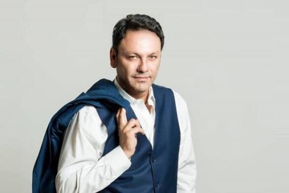 Με κορωνοϊό νοσηλεύεται ο τραγουδιστής Στάθης Αγγελόπουλος