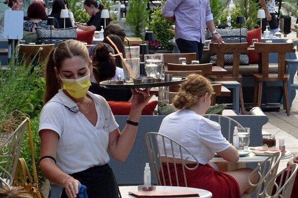 Πάτρα: Αντιδράσεις στην εστίαση για τα μέτρα για τους ανεμβολίαστους εργαζόμενους