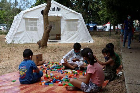 Έκκληση της Unicef να ξανανοίξουν τα σχολεία χωρίς να περιμένουμε τον εμβολιασμό